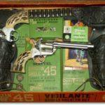 Mattel-vigilante-double-holster-toy-capgun-set